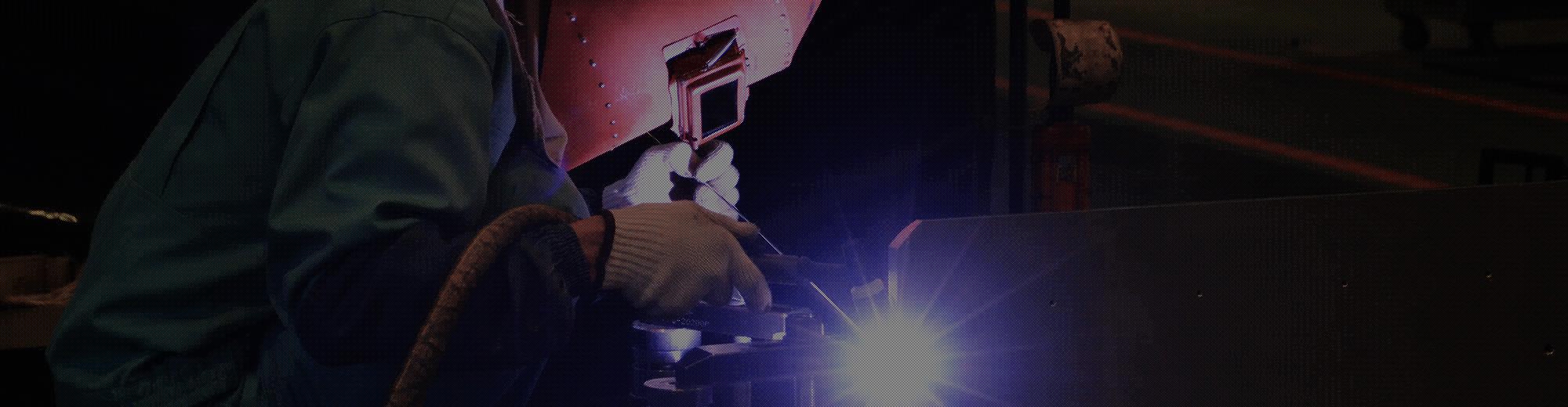 バトンを繋ぐ 設計・プレス・溶接・研磨まで一貫した生産ライン
